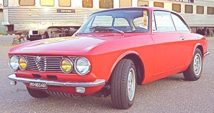 Alfa_Romeo_GTV_side_view