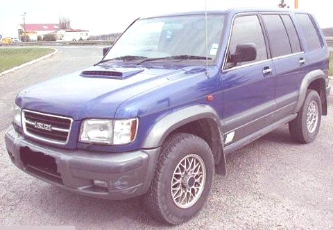 Isuzu-Trooper-2005