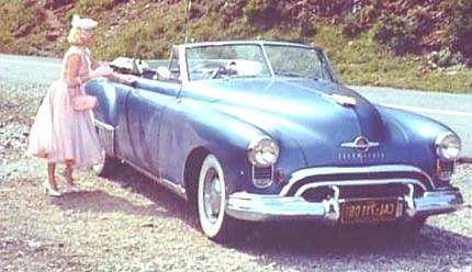 1949_Futuramic_Oldsmobile_88 2