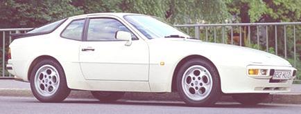 Porsche 944 1981 07