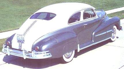 1948_Pontiac_Deluxe_Torpedo_Streamliner_Sedan-b