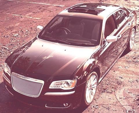 Chrysler-300_Luxury_Series_2012_05